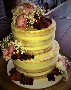 buttercream wedding cake for rustic style wedding