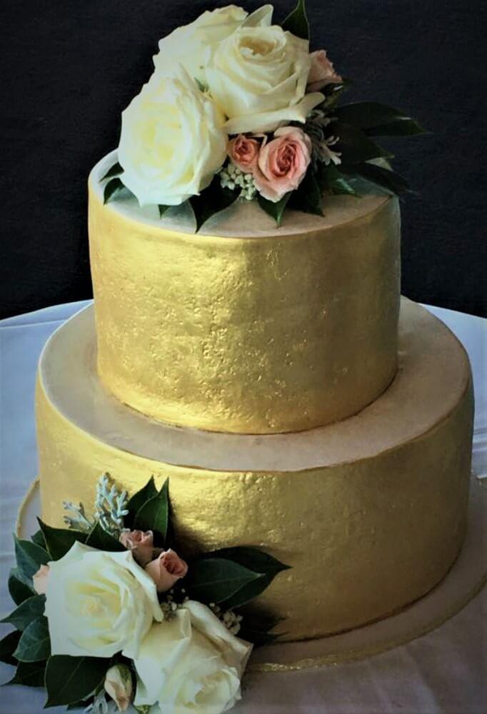 rough finish gold wedding cake