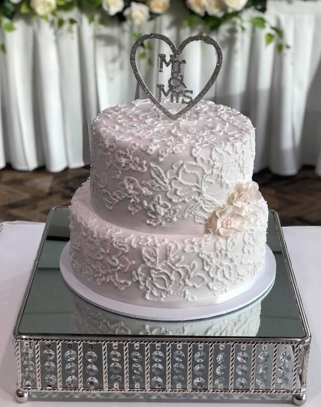 rimma's wedding cakes 2 tier wedding cake close up picture