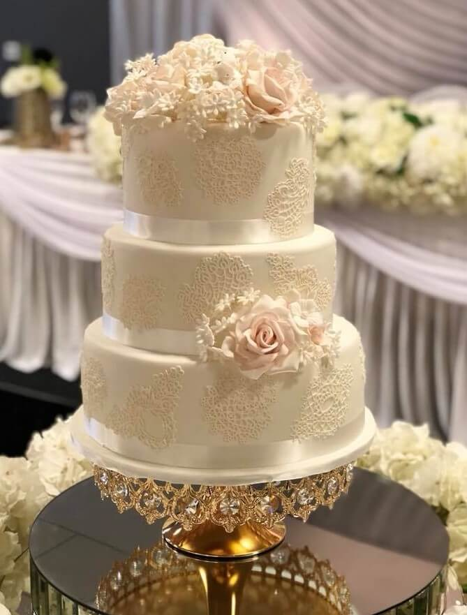 rimma's wedding cakes 3 tier wedding cake with stencil sides and sugar flowers