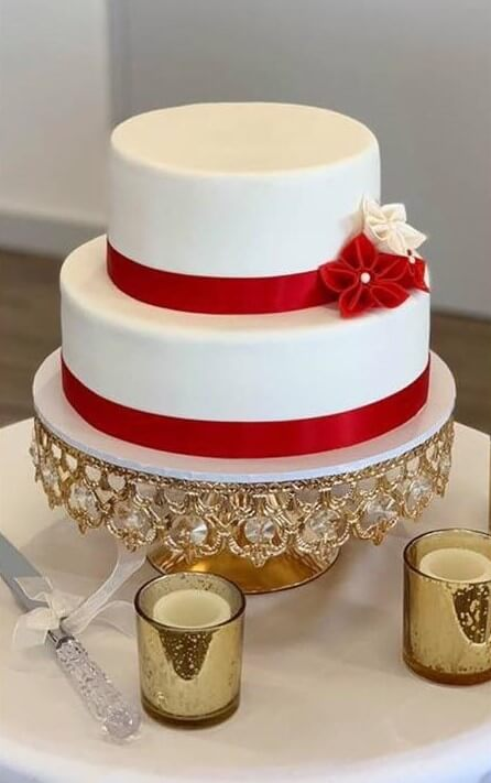 2 tier round wedding cake