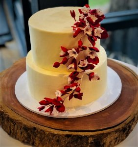 2 tier butter cream wedding cake