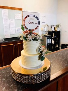 rimma's wedding cakes perth two tier buttercream wedding cake with fresh flowers